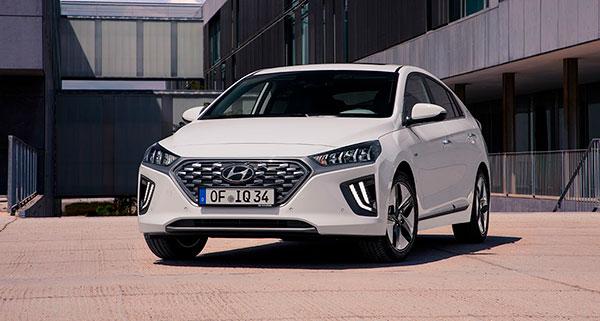 Hyundai IONIQ Híbrido vista frontal