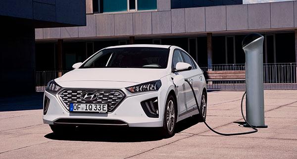Hyundai IONIQ Híbrido Enchufable punto de carga